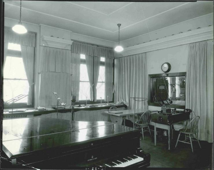 WLB Studio, 1938.