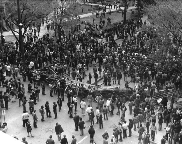 The student-made barricade constructed on Washington Avenue on May 9th. University of Minnesota Archives Photograph Collection. Available at http://purl.umn.edu/71643