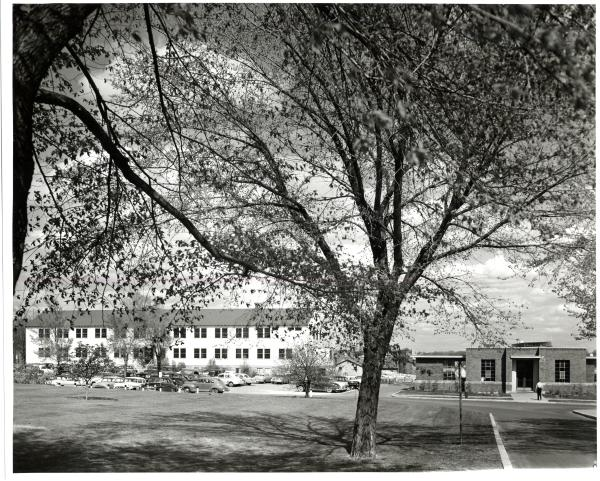 Temporary East of Haecker and Veterinary Clinic, St. Paul Campus, 1954.