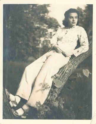 Maryanna in 1940 or 1941. This photo was taken during her time at Glenn Lake Sanatorium.