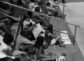 Students sit in groups, on strike for peace and protesting against the Vietnam war. Student protests. Strike. 1970. University of Minnesota Libraries, University Archives., umedia.lib.umn.edu/item/p16022coll175:4717 Accessed 27 May 2020.