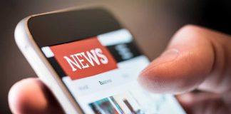 Reading news on a smart phone