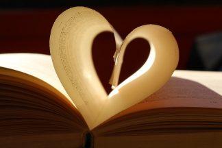 Heart Book by Constanza Romero, CC BY-NC 2.0